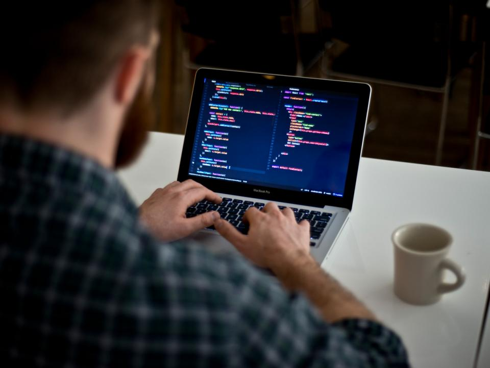 What are the best Trainings to Learn to Code?