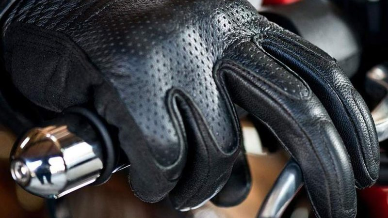 How The Right Motorcycle Gloves Can Save Your Hands