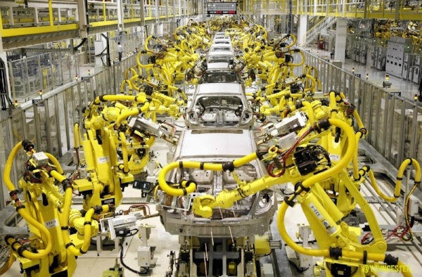 Why Use Robots in Car Manufacturing Plants